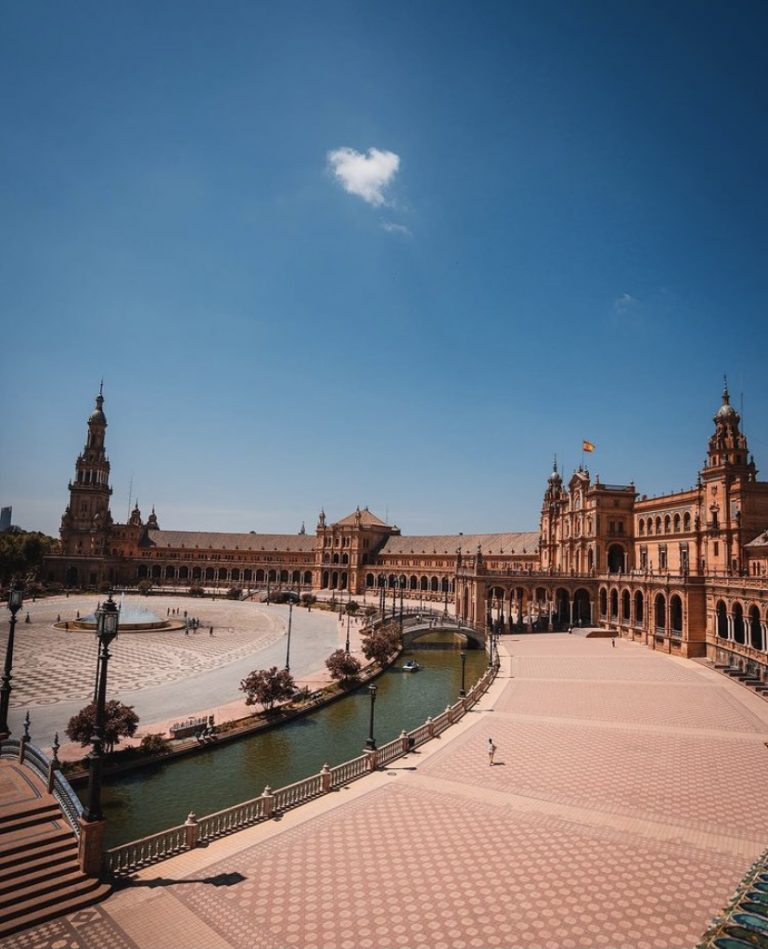 A magical and fun day trip to Seville