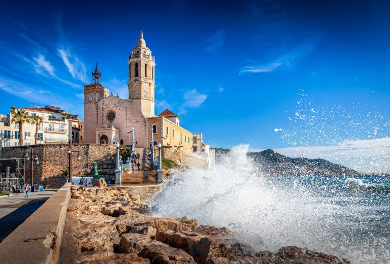 Visit Sitges, one of the favorite destinations of the inhabitants of Barcelona.