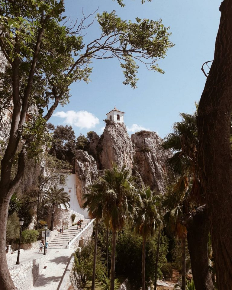 Discover the beautiful village of Guadalest